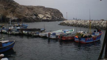 Reabren puertos de Arequipa tras oleajes anómalos