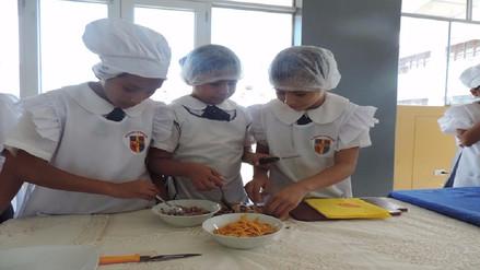 Escolares aprenden gastronomía con los alimentos que entrega Qali Warma