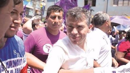 Julio Guzmán juramenta comités provinciales de su partido político