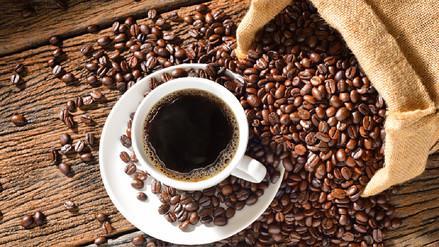 Tres tazas de café al día alargan la vida, sugiere estudio de la OMS