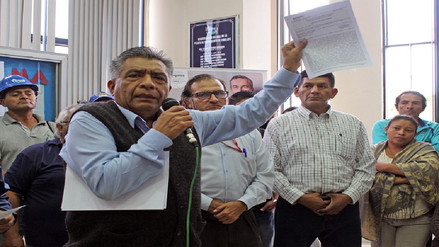 Alcalde presenta demanda constitucional por intervención de OTASS en Epsel