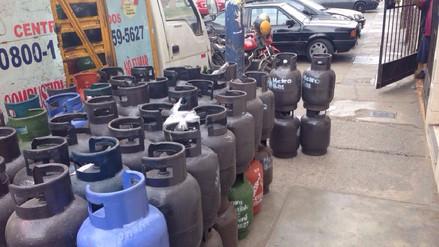 San Luis: Vía pública es utilizada como centro de carga y descarga de gas