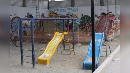 Ate: Madres de familia denuncian obra en plena área de juegos de colegio