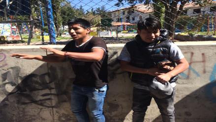 Vecinos azotaron a jóvenes que robaron celular