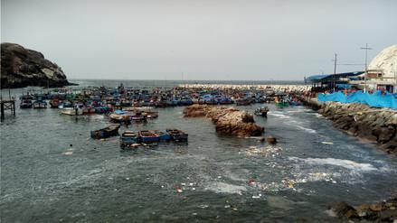 Cierran Puerto de Mollendo por oleajes anómalos