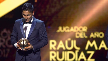 Así se emocionó Raúl Ruidíaz tras recibir sus 3 Balones de Oro