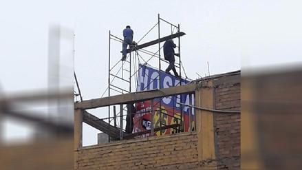 Trabajadores arriesgan su vida sin medidas de seguridad en Lince