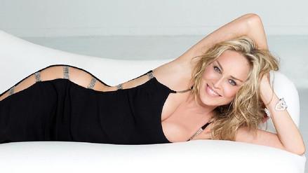Facebook: Sharon Stone luce increíble en bikini a sus 59 años