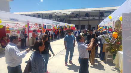 Escolares exponen sus conocimientos en I Feria Del Logro Regional en Cajamarca
