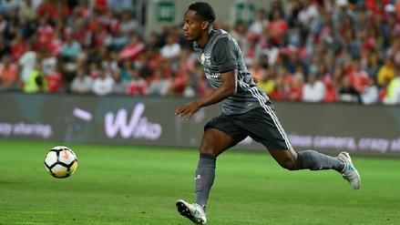 André Carrillo tuvo minutos en partido amistoso del Benfica