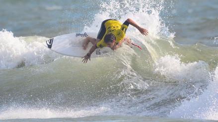 Tomás Tudela avanzó a cuartos de final del Arica Pro Surf Tour