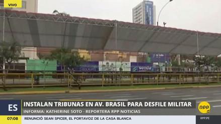 La instalación de tribunas en la avenida Brasil causa malestar entre los vecinos