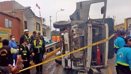 Un muerto y 13 heridos dejó múltiple choque en Ventanilla