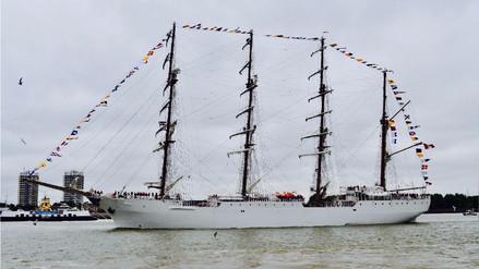 El BAP Unión del Perú, el velero más grande de América Latina, llegó a Londres