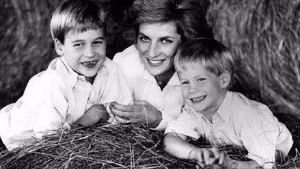 Los príncipes William y Harry contaron su última llamada con Lady Di