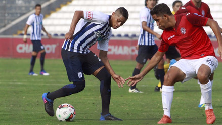 Alianza Lima derrotó 2-0 a Juan Aurich y es el único líder del Apertura