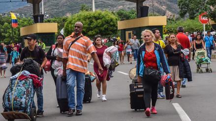 Venezolanos cruzan en masa hacia Colombia por temor a Constituyente