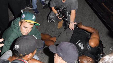 Justin Bieber atropelló a un fotógrafo al salir de una iglesia