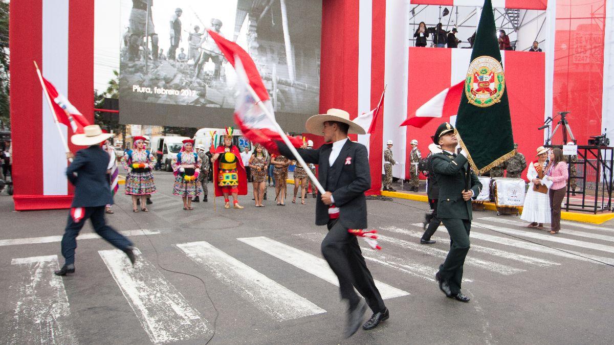 Trajes y danzas se lucen en la previa a la Gran Parada y Desfile Cívico Militar