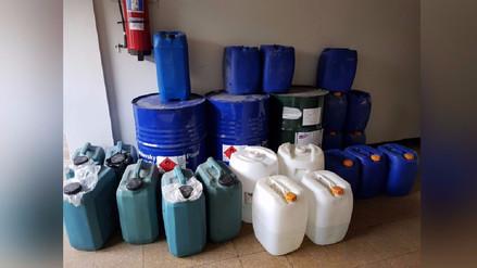 Policía incauta 150 galones de acetona en Villa El Salvador