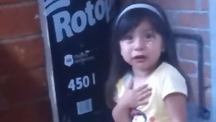 YouTube   Así reacciona una niña cuando su padre le quita la tablet