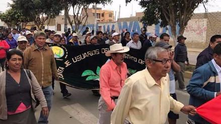 Agricultores de Huarmey bloquean la Panamericana Norte exigiendo reconstrucción