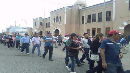 Maestros se movilizaron por las calles de Lambayeque
