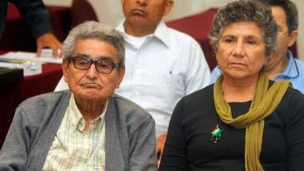 Denuncian que el libro de Abimael Guzmán se vende en Chile