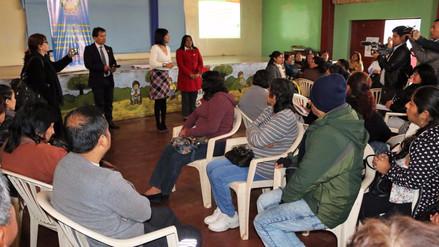 Capacitan a docentes para enfrentar el dengue en Ica