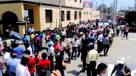 Profesores de Tumbes se unieron a huelga indefinida