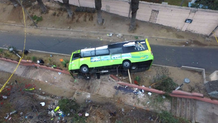 El bus accidentado del cerro San Cristóbal llevaba 20 pasajeros de más