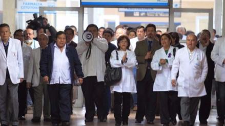 ¿Cuáles son los acuerdos a los que se llegó con la Asociación Médica para solucionar la huelga?