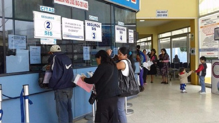 Chimbote: médicos reanudan sus labores y enfermeras siguen en huelga