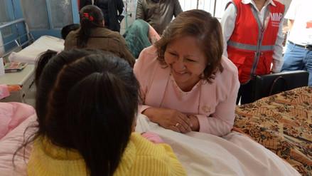 Ministra de la Mujer visita a menor que fue agredida en Arequipa