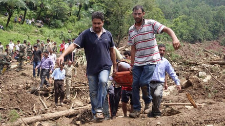 Al menos 45 muertos en un deslizamiento de tierras en India