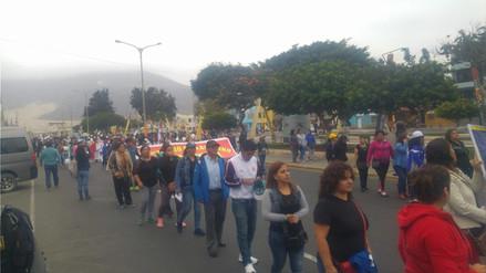 Chimbote: clases se prolongarían hasta enero por huelga docente