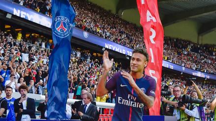 Neymar ya vendió más camisetas del PSG en 10 días que Di María en un año