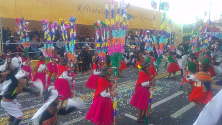 Arequipa celebra aniversario 477 con Corso de la Amistad