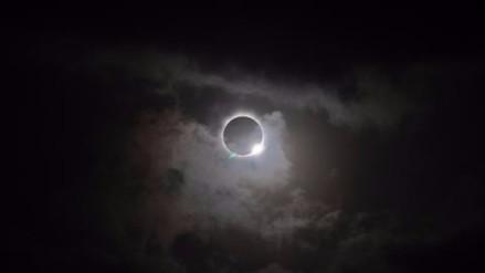 Todo sobre el eclipse total: cuándo, dónde y cómo verlo sin quedar ciego
