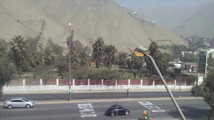 Vecinos reportan que postes permanecen encendidos en Chaclacayo