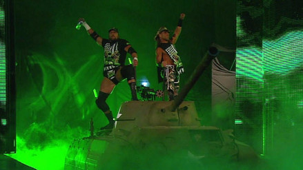 Revive cuando Triple H y Shawn Michaels entraron a Summerslam en un tanque