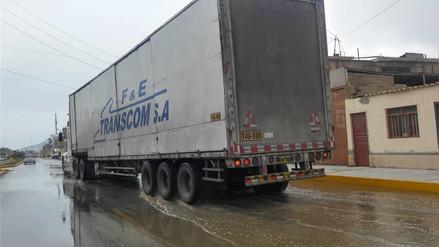 Chimbote: calles y algunas viviendas amanecieron inundadas