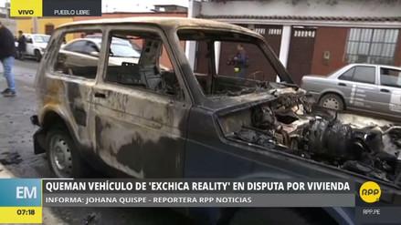 Queman el automóvil de una modelo en una disputa por una casa