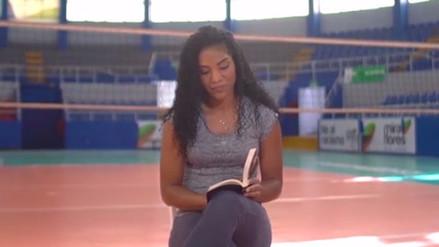 Carla Rueda deja a un lado el voleibol y promueve la lectura de poesías