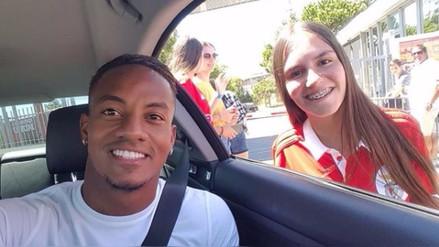 La emotiva despedida de una hincha del Benfica a André Carrillo