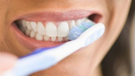 Diez mitos sobre el cuidado de tu salud bucal que debes conocer