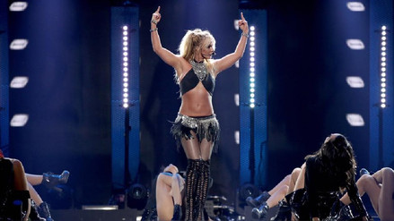 YouTube   Britney Spears cantó sin playback después de 8 años