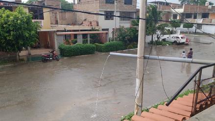 Varias localidades de Piura reportaron una inusual lluvia