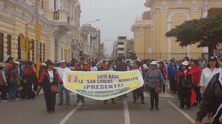 Alumnos se unen a huelga de docentes y se movilizan en Chiclayo