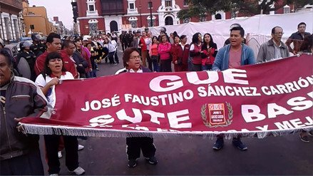 Trujillo: Maestros en huelga generan caos vehicular en centro histórico